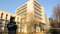 Na úradoch a súdoch po celom Slovensku nahlásili bomby