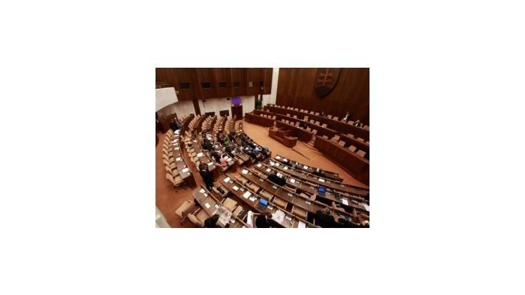 Opozícia sa do tretice pokúsi rozdeliť posty v parlamente