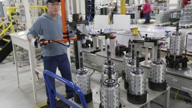 České firmy sa obávajú nedostatku ľudí, zvažujú nasadenie robotov
