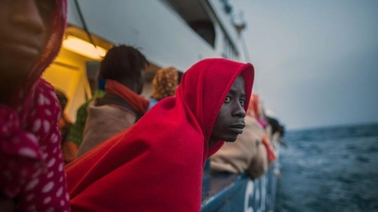 Sme absolútne neovládateľní, hlásila záchranná loď plná utečencov