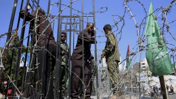 Palestínski väzni začali hladovku, sú proti praxi zadržiavania bez súdu