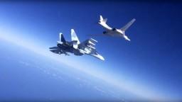 K dvom ruským bombardérom pri Aljaške vzlietli americké stíhačky