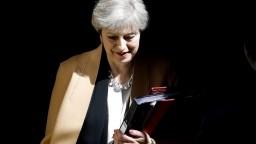 Britskí poslanci drvivou väčšinou schválili predčasné voľby