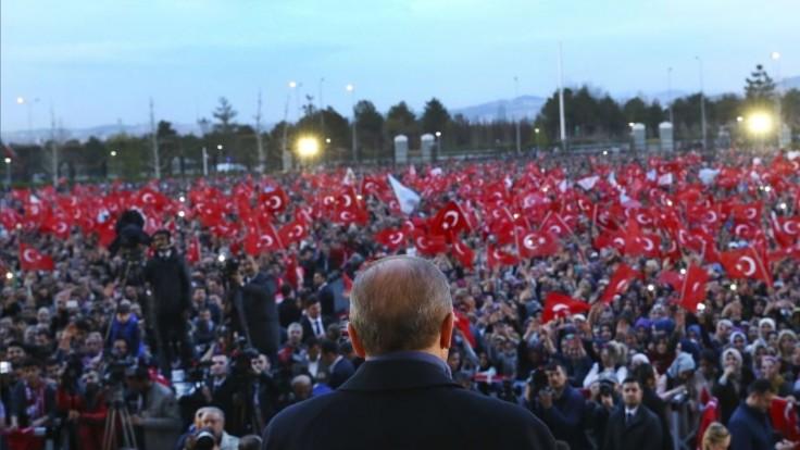 Opozícia žiadala anulovanie referenda, volebná komisia to zamietla