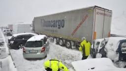 Úsek diaľnice pod Tatrami po hromadnej nehode opäť otvorili