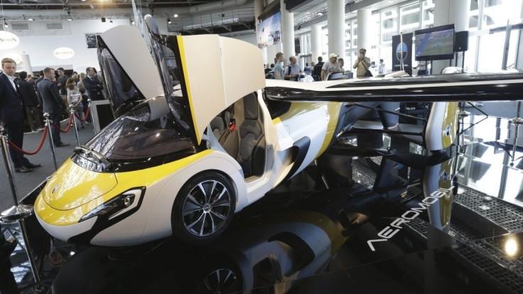 Slováci predstavili svetu nové lietajúce auto, je na predaj