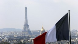 Francúzsky prezident má od čias Charlesa de Gaulla veľkú moc