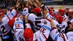 Banská Bystrica sa prvýkrát v histórii stala hokejovým majstrom