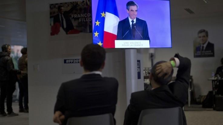 Neúspešní kandidáti uznali porážku, vyjadrili podporu Macronovi