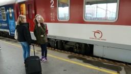 Železničná spoločnosť chce prilákať ľudí, investuje stovky miliónov