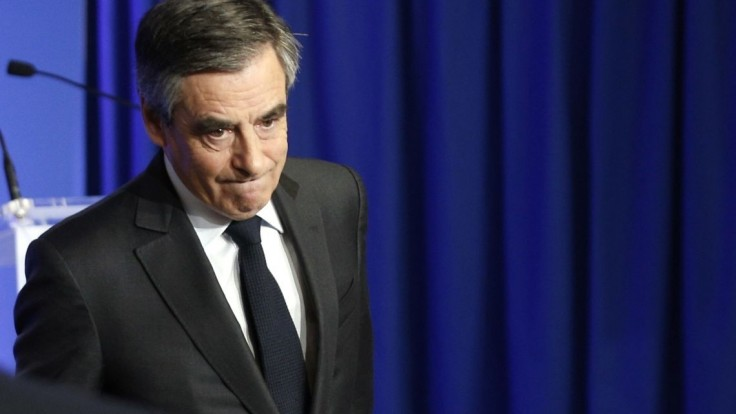 Fillon nechce viesť Republikánov do júnových volieb. Vraj stratil legitimitu