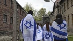 Tisíce ľudí sa zapojili do Pochodu živých. Uctili si obete holokaustu