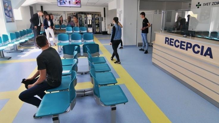Drucker spúšťa obnovu nemocníc a budovanie urgentných príjmov
