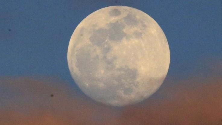 Čína rokuje s Európou o vesmírnej základni na Mesiaci