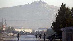 V bitke medzi Islamským štátom a Talibanom zahynulo takmer sto ľudí
