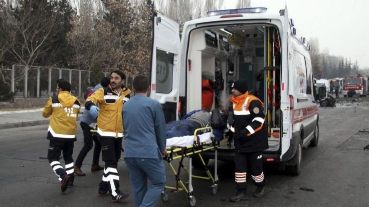 V Istanbule vybuchol autobus s vysokoškolákmi, hlásia zranených