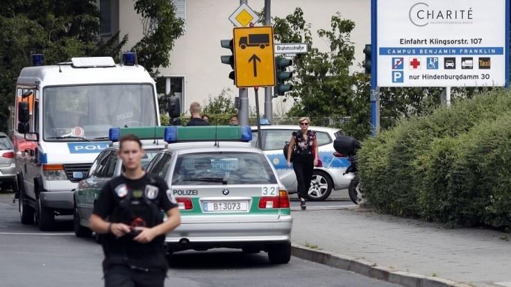Ozbrojenec v Berlíne ohrozoval policajnú hliadku, postrelili ho