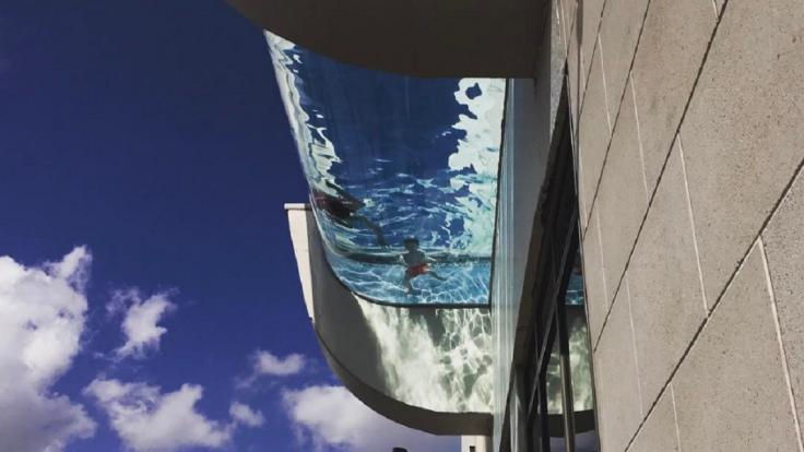 Tento bazén nie je pre nesmelých. Umožní vám však lietať