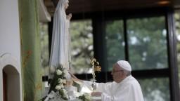 Od zázraku vo Fatime prešlo sto rokov, do Portugalska zavítal pápež