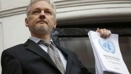 Dostane sa z ambasády? Assangea už nevyšetrujú pre znásilnenie