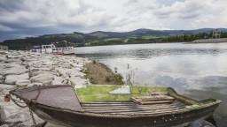 Nelegálne stavby na Oravskej priehrade prinášajú celý rad komplikácií