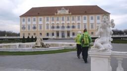 Na zámku Schloss hof sa konajú dni záhrad aj výstava o Márii Terézii