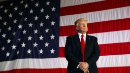 Čo je covfefe? Sociálne siete riešia Trumpov záhadný tweet
