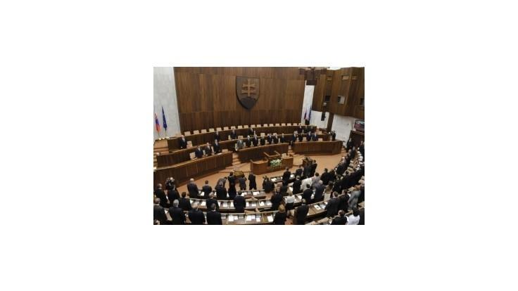 Poslanci zložili sľub, máme nový parlament