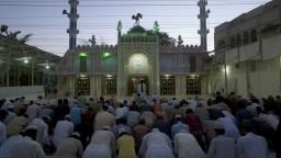 Moslimovia oslavujú koniec ramadánu, z osláv sa tešia aj v Mósule