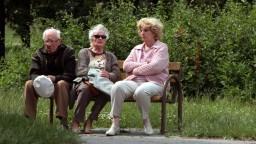 Seniorov bude pribúdať. Ako sa vyrovnáme so starnúcou populáciou?