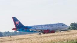Letecký špeciál priviezol mladíka, ktorý sa vážne zranil v Grécku