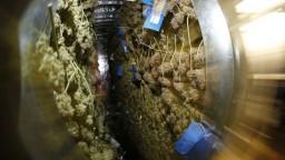 Grécke úrady zhabali na jachte takmer dve tony marihuany