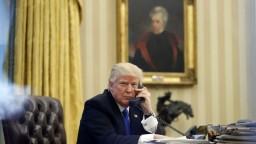 V Bielom dome pripravujú pád Trumpa, tvrdí exšéf komunikácie