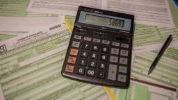 Daňové bremeno vzrástlo, Slováci platia na daniach čoraz viac
