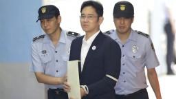 Dedič Samsungu ide do väzenia, zamotal sa do prezidentkinho škandálu
