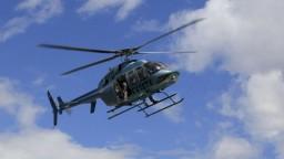 Pilot počas šou vypadol z vrtuľníka, padal stovky metrov