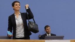 Exlíderka pravicových populistov v Nemecku založila Modrú stranu