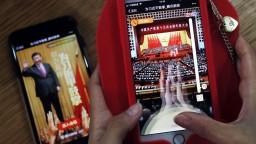 Mladí Číňania v mobile súťažia, kto lepšie zatlieska prezidentovi