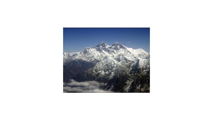 Americkí vedci založia na Mount Evereste laboratórium