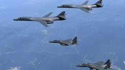 Nad Kóreou preleteli bombardéry. Gangstri, reaguje Kimov režim