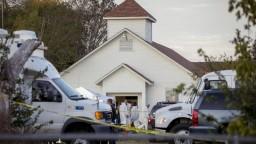 Útok v texaskom kostole neprežilo 26 ľudí, strelec slúžil v letectve