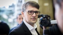 Ak sa Maďarič vzdá straníckej funkcie, ministrom chce ostať