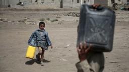V Jemene zomiera denne vyše sto detí, situáciu zhoršuje blokáda