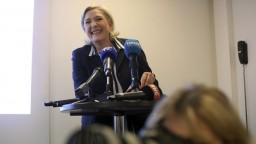 Národný front má presunúť účty. Le Penová hovorí o perzekúcii