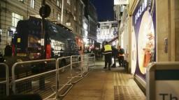 Po správach o výstreloch zasahovala v londýnskom metre polícia