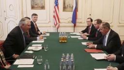 Lavrov sa stretol s Tillersonom, nátlak na KĽDR označil za neprípustný