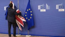Británia a Európska komisia dosiahli dohodu o podmienkach Brexitu