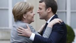 Merkelová a Macron chcú už na jar zhodu názorov o reforme eurozóny