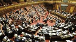 Taliansky prezident rozpustil parlament, chystá sa na nové voľby