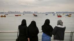 Iránčanky už nebudú zatýkať pre nezahalené časti tela